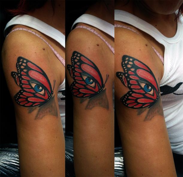 Tatuaggio farfalla a colori-1