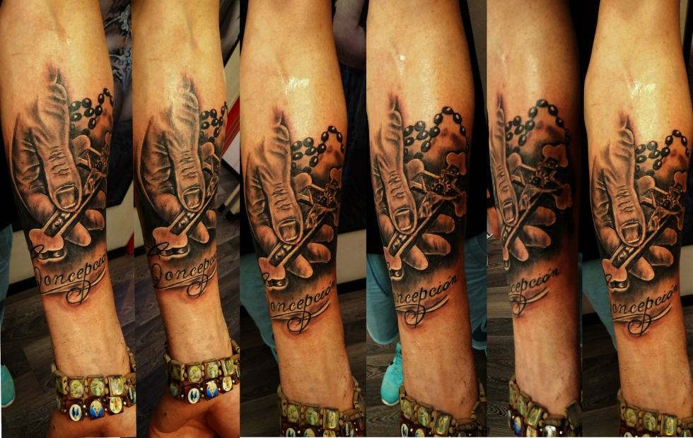 Tatuaggio mano e crocifisso-1