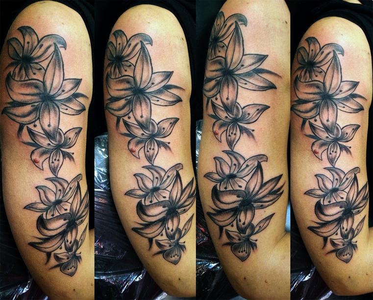 Tatuaggio fiori sul braccio-1