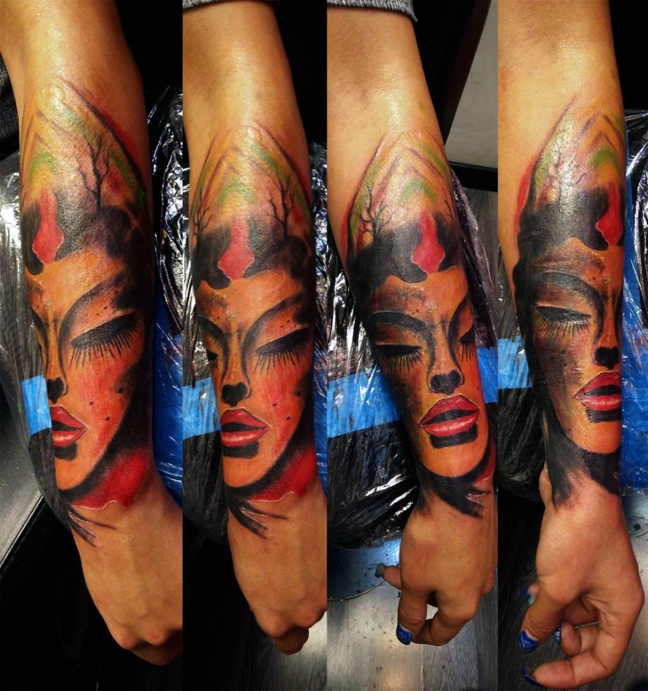 Tatuaggio volto femminile-1
